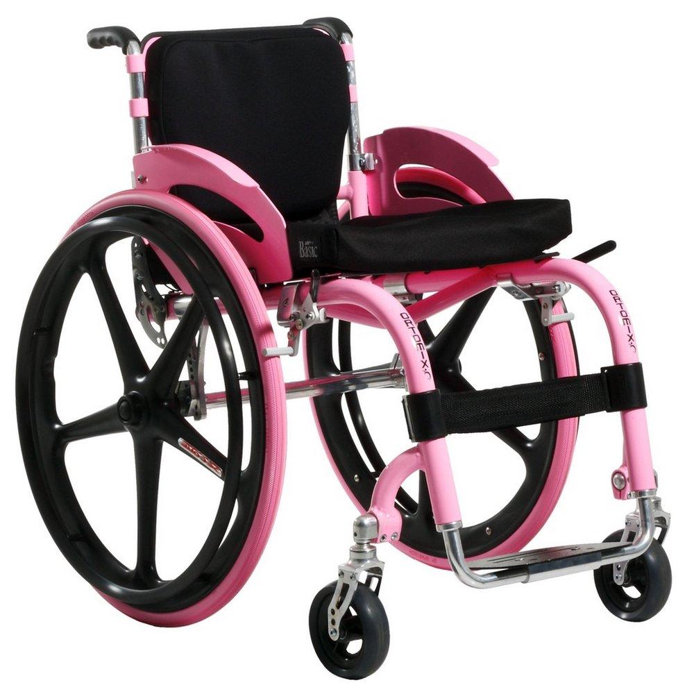 Speciale kinderrolstoel voor een meisje